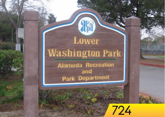 724 - Woodgrain Faced Sign w/Posts